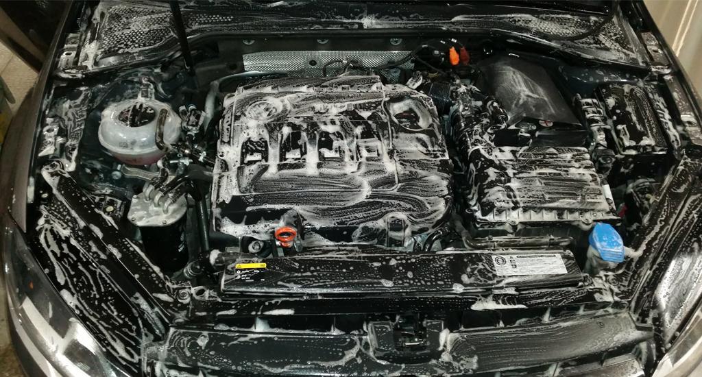 Lavage auto Poitiers moteur